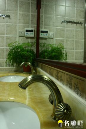 欧式 简欧 别墅 高富帅 白富美 别墅装修 卫生间图片来自名雕装饰设计在简欧风格-首府188平双层豪华别墅的分享