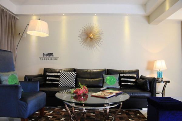 90平旧房为您打造新风格——探索《现代.休闲风》——辛诚花园——客厅背影墙