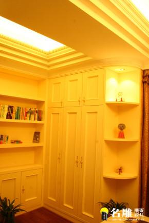 欧式 简欧 别墅 高富帅 白富美 别墅装修 书房图片来自名雕装饰设计在简欧风格-首府188平双层豪华别墅的分享