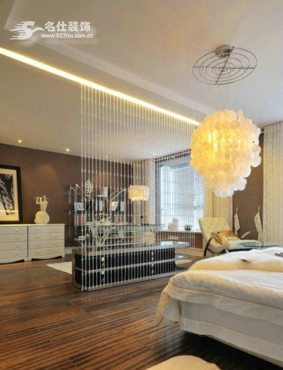 卧室整体效果,卧室设计的以实用、舒适为主。