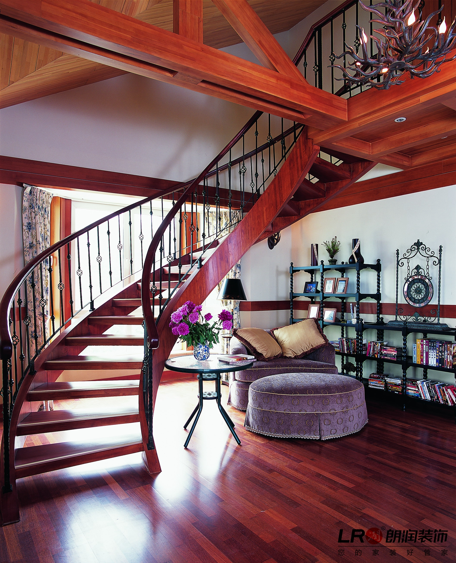 浪漫 美式 乡村 跃层 超自然减压 楼梯图片来自朗润装饰工程有限公司在塞纳河畔的浪漫美式家的分享