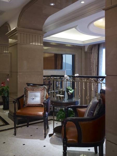 欧式 别墅 成都装修 成都装饰 跃层 楼梯图片来自华西装饰集团在海昌天澜241m²欧式风格装饰的分享
