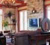 客厅的每一面都是一副完整的图画,斑驳的浓浓的乡村味道的墙面处理自然而协调。