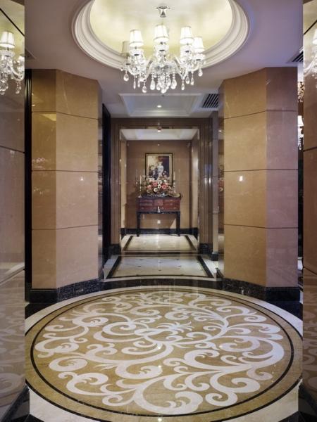 欧式 别墅 成都装修 成都装饰 跃层 玄关图片来自华西装饰集团在海昌天澜241m²欧式风格装饰的分享