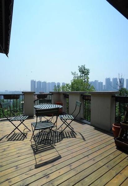 田园 别墅 成都装修 成都装饰 80后 阳台图片来自华西装饰集团在时光俊园165m²东南亚小跃层的分享