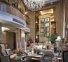 在室外加建观景长廊,即可做首层会客厅,餐厅出入花园的飘檐,又使二层的起居室