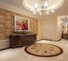 门厅采用简约的线条代替复杂的花纹,采用更为明快清新的颜色,既保留了古典欧式的典雅与豪华,又更适应现代生活的休闲与舒适。