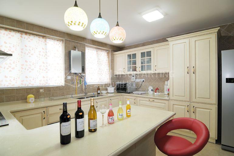 欧式 复式楼 厨房图片来自alicia在默认专辑的分享