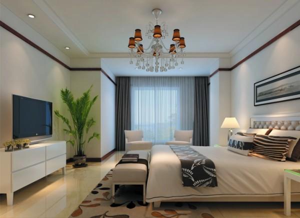 卧室作为主人休息的空间要安静,颜色不能过于鲜亮。亮点:床头背景墙的装饰画与整个环境相辅相成。