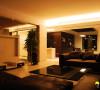 名雕装饰设计-纯水岸三居室文艺雅居—现代客厅:平淡中透露出空间的强烈,互动性。使空间的过渡性更加自然、娴熟!
