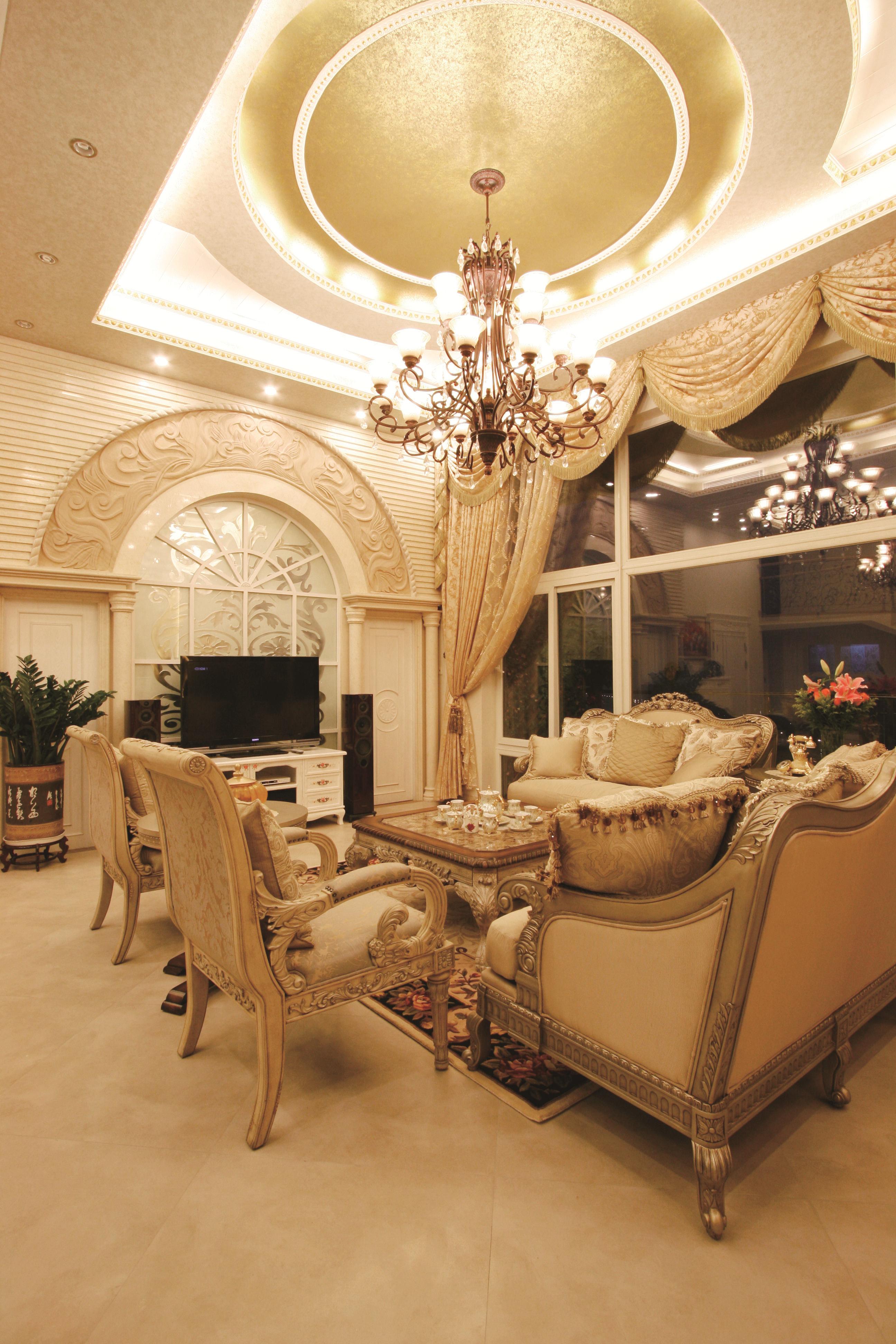 欧式 复式 80后 富贵堂煌 纯水岸 名雕装饰 客厅图片来自名雕装饰设计在欧式-纯水岸200平富贵堂煌空间的分享