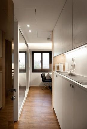 简约 舒适 旧房改造 白领 现代 四居 衣帽间图片来自幸福空间在360m²两户变一家 舒适气质家的分享