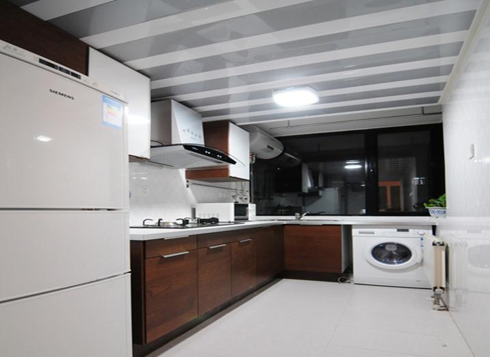 简约 一居室 厨房图片来自实创装饰上海公司在一居室现代简约风格装修实景图的分享