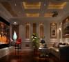 人体会到古典的优雅与雍容。无论是家具还是配饰均已其优雅,唯美的姿态,平和而 富有的内涵气韵,华美细腻的设计风格,充分传递富裕繁华的欢乐气息,令卧室更显温 馨柔媚,描绘出居室主人尊贵身份!
