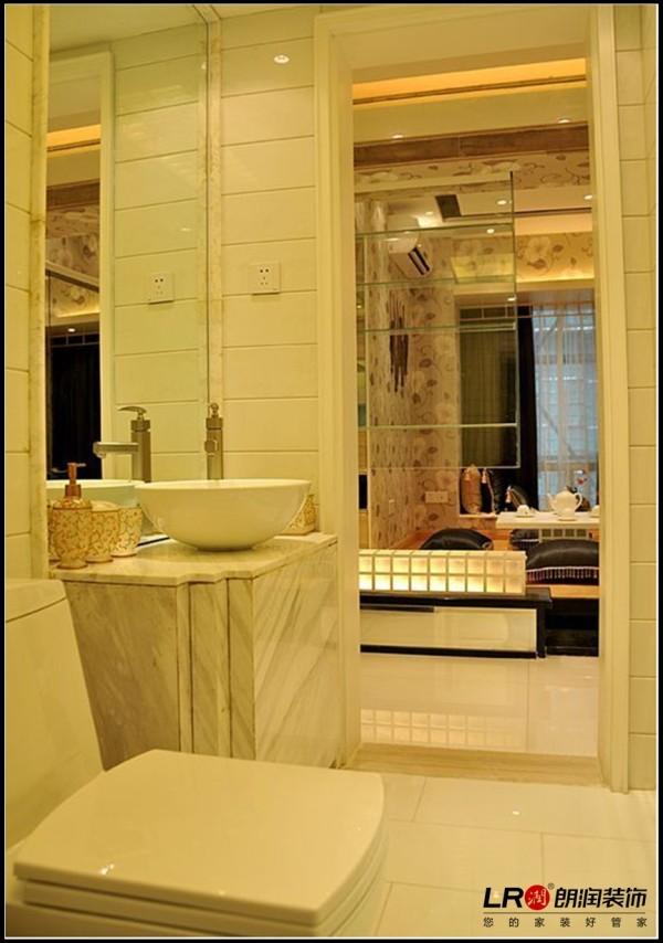 南湖国际社区-二居室-124平米-卫生间装修设计