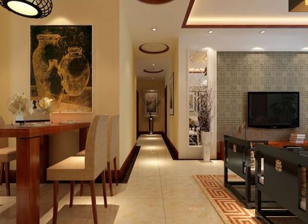 客厅和餐厅之间的走道,一条小道,淡黄色的地板,厚重而具有历史气息。