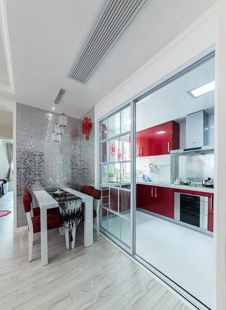 两居 现代简约 红色 婚房 80后 厨房图片来自张顺在典雅喜庆婚房鉴赏的分享