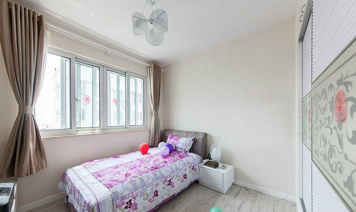 两居 现代简约 红色 婚房 80后 卧室图片来自张顺在典雅喜庆婚房鉴赏的分享