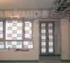 门窗都是全封闭的,防止灰尘的进入,北京风沙比较大,体现出工人的细心。