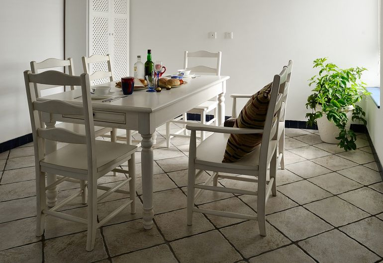 简约 二居 白领 收纳 80后 小资 餐厅图片来自旭达装饰在聚盛花园明日星城的分享
