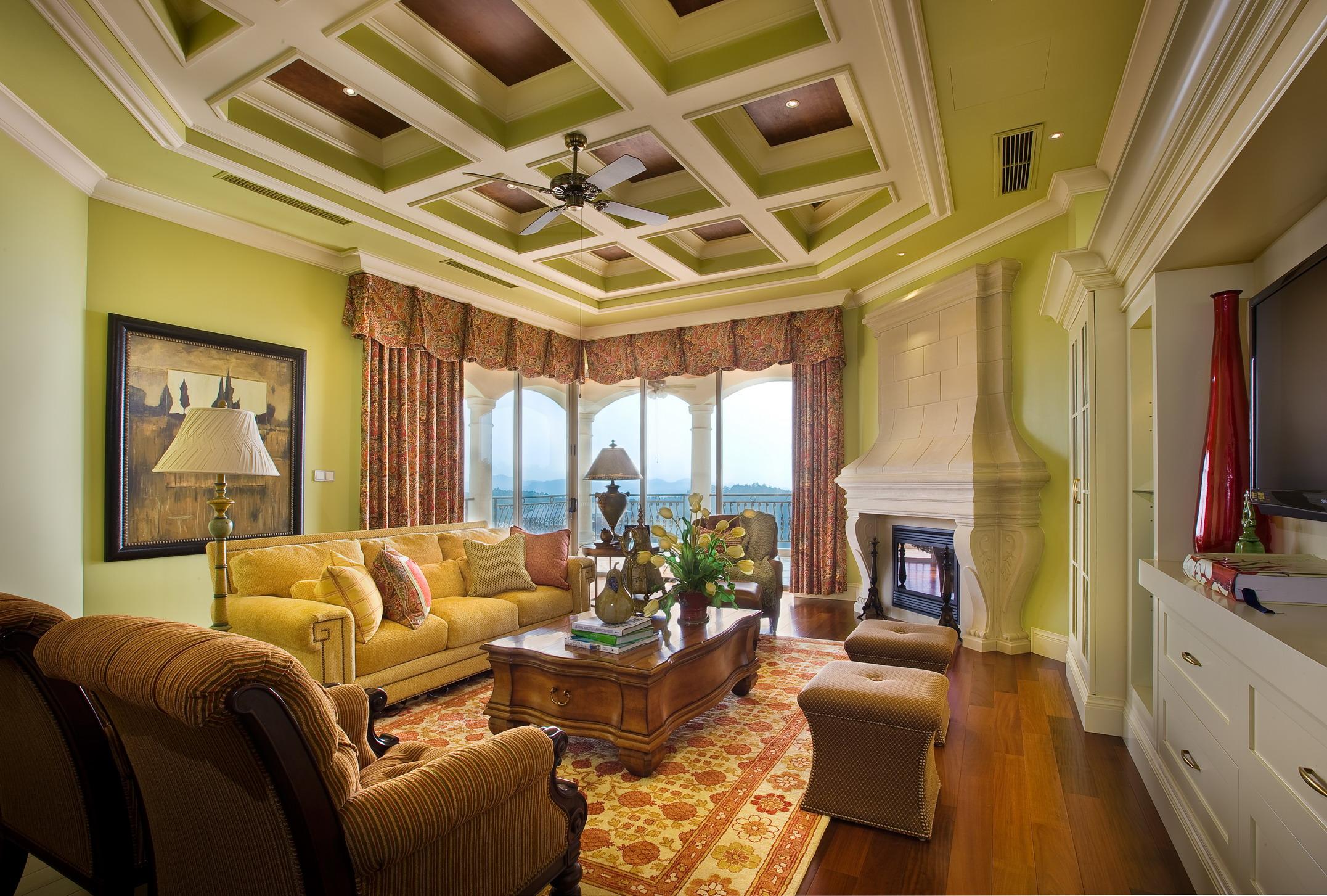美式 别墅 度假别墅 舒心 大气 客厅图片来自武汉实创装饰在千岛湖度假别墅,舒心美式豪宅的分享