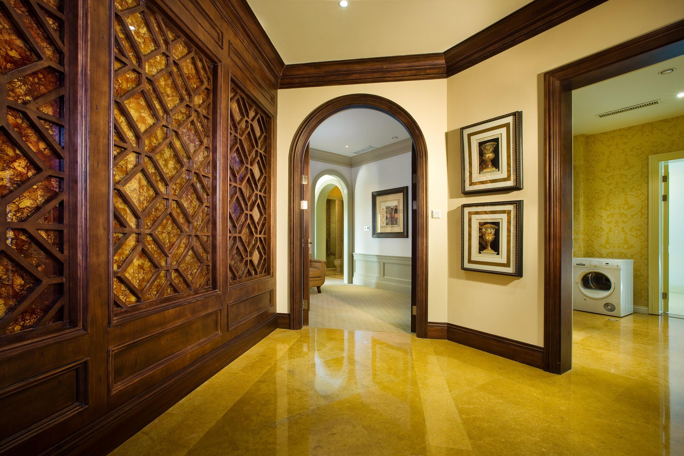 美式 别墅 度假别墅 舒心 大气 玄关图片来自武汉实创装饰在千岛湖度假别墅,舒心美式豪宅的分享
