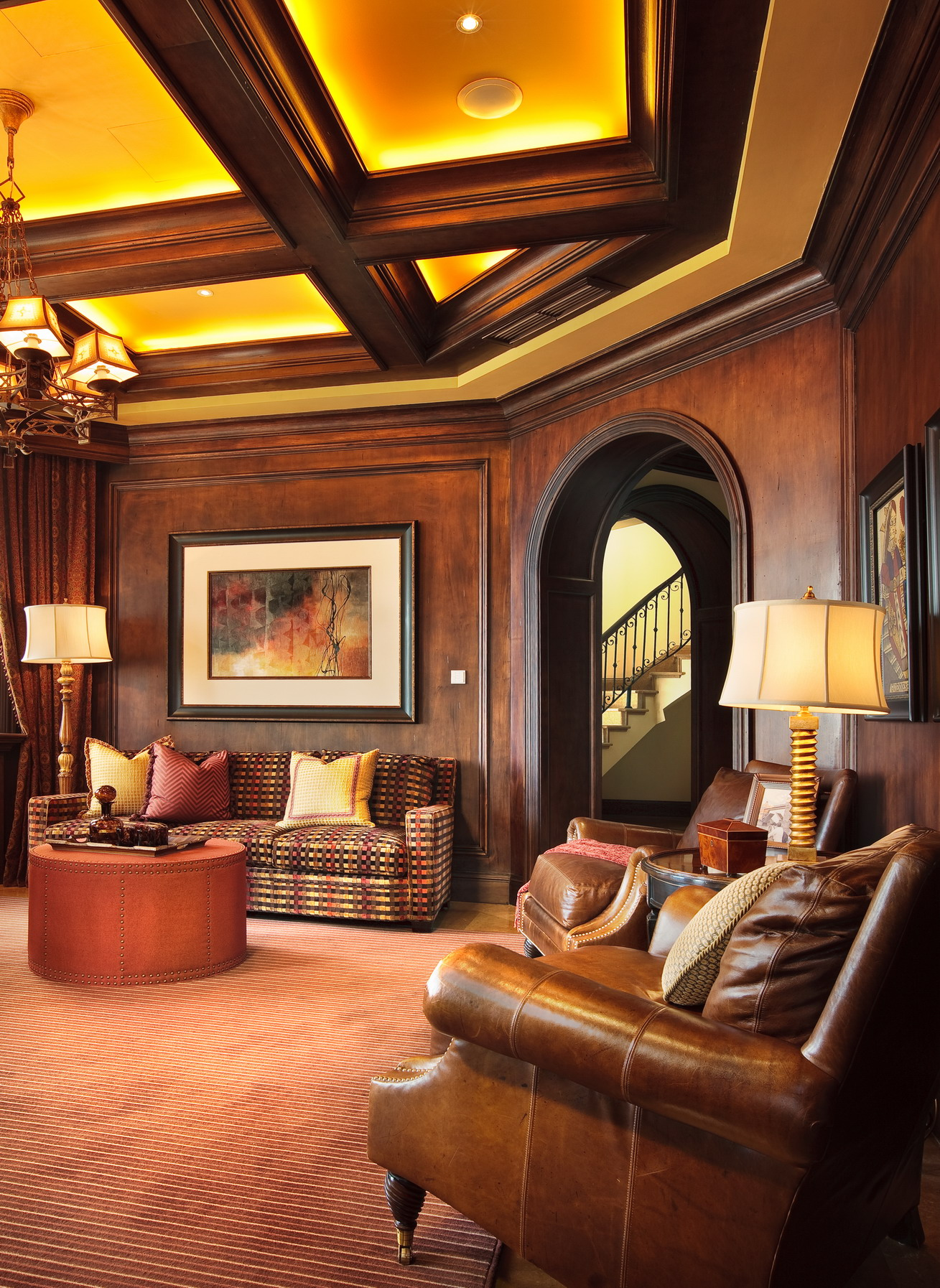 美式 别墅 度假别墅 舒心 大气 餐厅图片来自武汉实创装饰在千岛湖度假别墅,舒心美式豪宅的分享