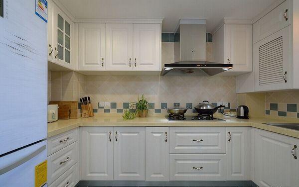 厨房图片来自聚星堂装饰在东骏湖景湾的分享
