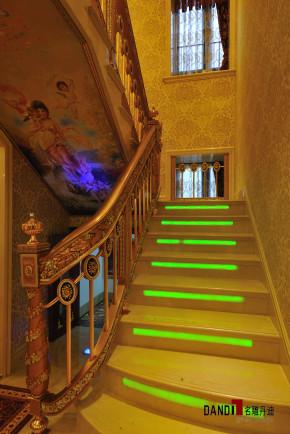 欧式 别墅 招商海月 名雕丹迪 欧式奢华 高富帅 豪宅装修 楼梯图片来自名雕丹迪在欧式奢华--招商海月高档别墅装修的分享