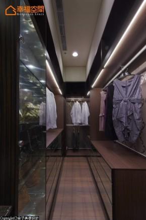 白领 舒适 高帅富 收纳 衣帽间图片来自幸福空间在山峦绿意182平亲近自然的韵味宅的分享