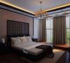 影视墙的造型简洁现代,却在醒目位置饰以中式书法,这种绝妙的组合给人以强烈的视觉意志力,成为时尚与古典的柔媚结合。