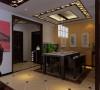 中式风格的古色古香与现代风格的简单素雅自然衔接,使生活的实用性和对传统文化的追求同时得到了满足。为了给居室增添几分暖意,饰以精巧的灯具和雅致的挂画,使整个居室在浓浓古韵中渗透了几许现代气息。