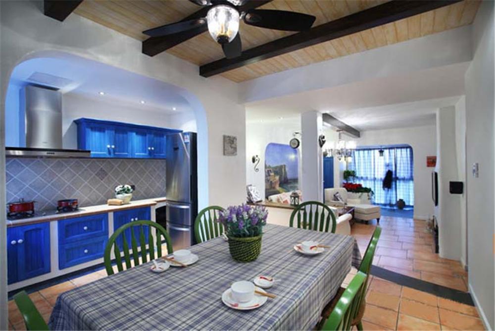 地中海 橱柜 餐桌 背景墙 餐厅图片来自实创装饰梦在爱琴海之恋的分享