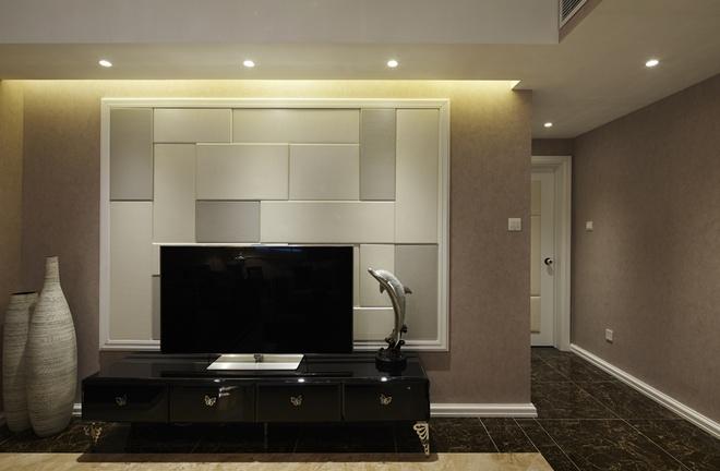 客厅图片来自家装大管家在后现代欧式风格 110平低调华丽居的分享