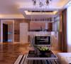 水晶吊灯的搭配,空间感增强。