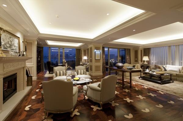 客厅图片来自石家庄品界国际装饰在国仕山175平米欧式风格装修的分享