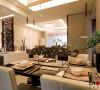 餐厅与客厅区分完美,又互相融合,利用空间视觉效果让我们的设计感更强。