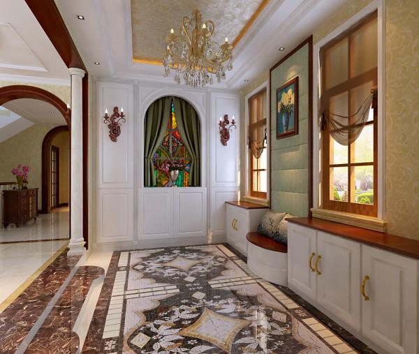 进门的正面是一个后建的承重墙(轻体转的),给人感觉没有视觉的穿透力,因为一层的客厅和餐厅都不大,所以把进门的墙拆除掉设计成墙板和拱形的玻璃窗,实际上看式墙板,其实是一个装饰性的衣柜。