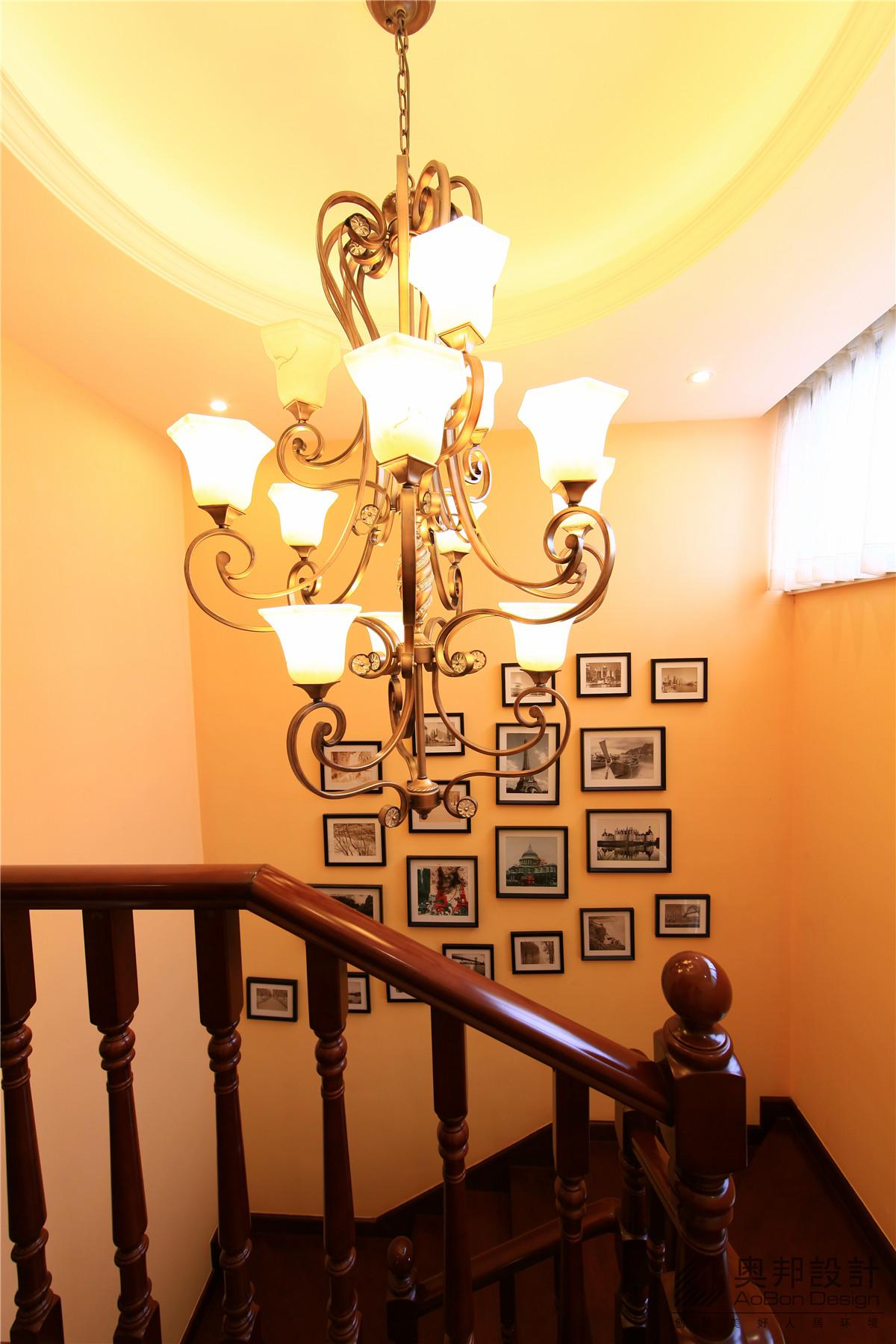 欧式 别墅 奥邦装饰 赵新艳 首席设计师 别墅装修 实景展示 楼梯图片来自上海奥邦装饰在美式风格别墅实景拍摄的分享