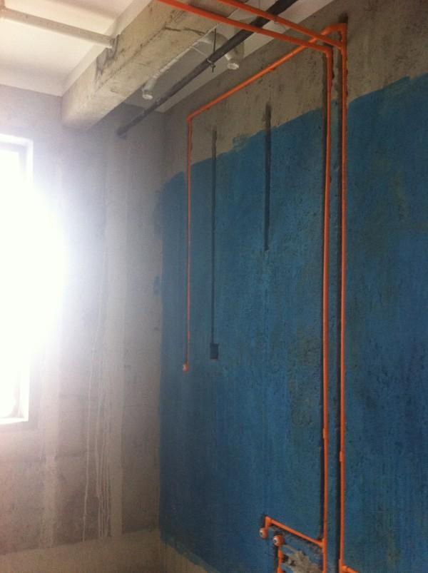 卫生间防水做到1.8米。