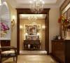 把古典欧式风格设计融入现代设计中浑然一体家居风格,装饰品的摆放给门厅营造出轻松愉悦的视觉空间