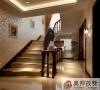 .墙面装饰材料可以选择一些比较有特色的来装饰房间,比如借助硅藻泥墙面装饰材料进行墙面圣经等内容的展示,就是很典型的欧式风格。当然简欧风格装修中,条纹和碎花也是很常见。