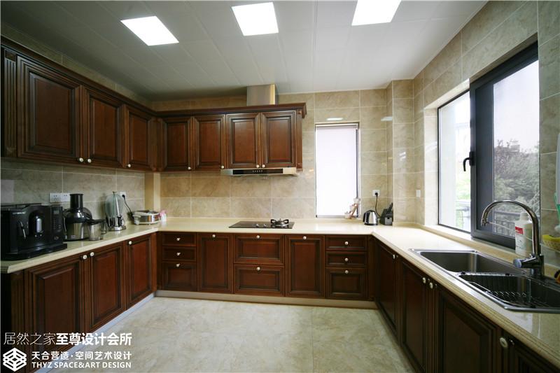 别墅 欧式 厨房图片来自武汉天合营造设计在保利十二橡树古典欧式风的分享