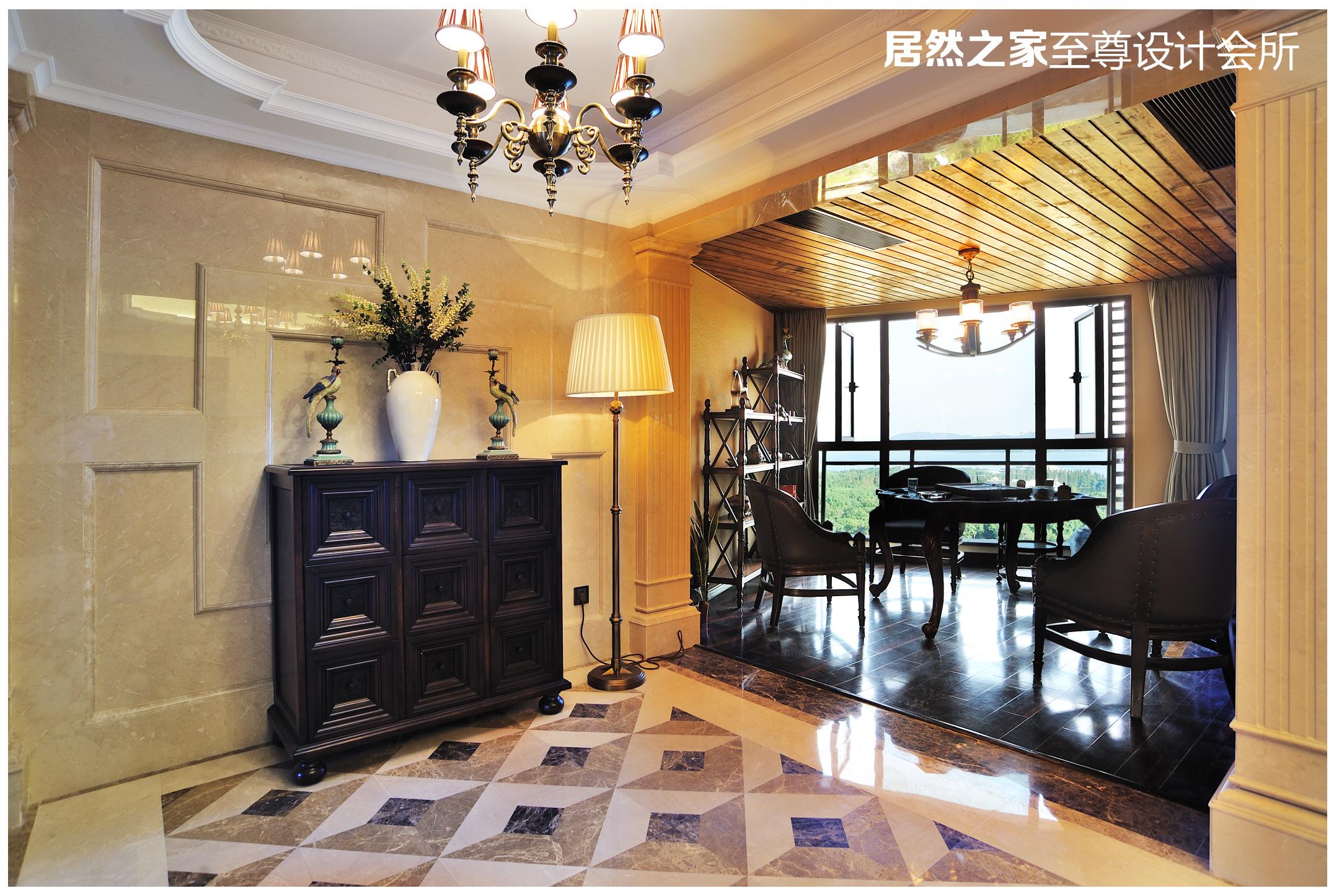 美式 古典 玄关图片来自武汉天合营造设计在复地东湖国际美式古典风情的分享