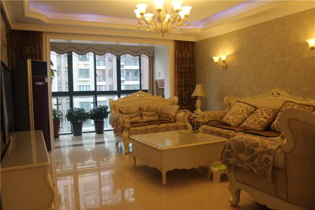 三居 欧式 客厅图片来自成都金煌装饰在简欧风格的空间美学的分享