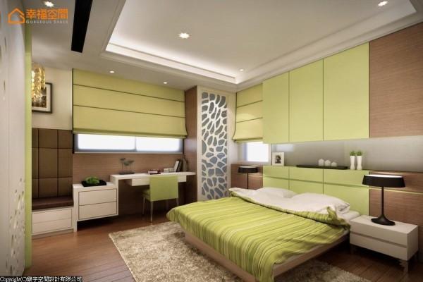 喜爱的青草绿色搭上温润的深色木皮呈现贴近自然的视觉印象,沿墙规划实用的收纳及阅读机能。 (此为3D合成示意图)