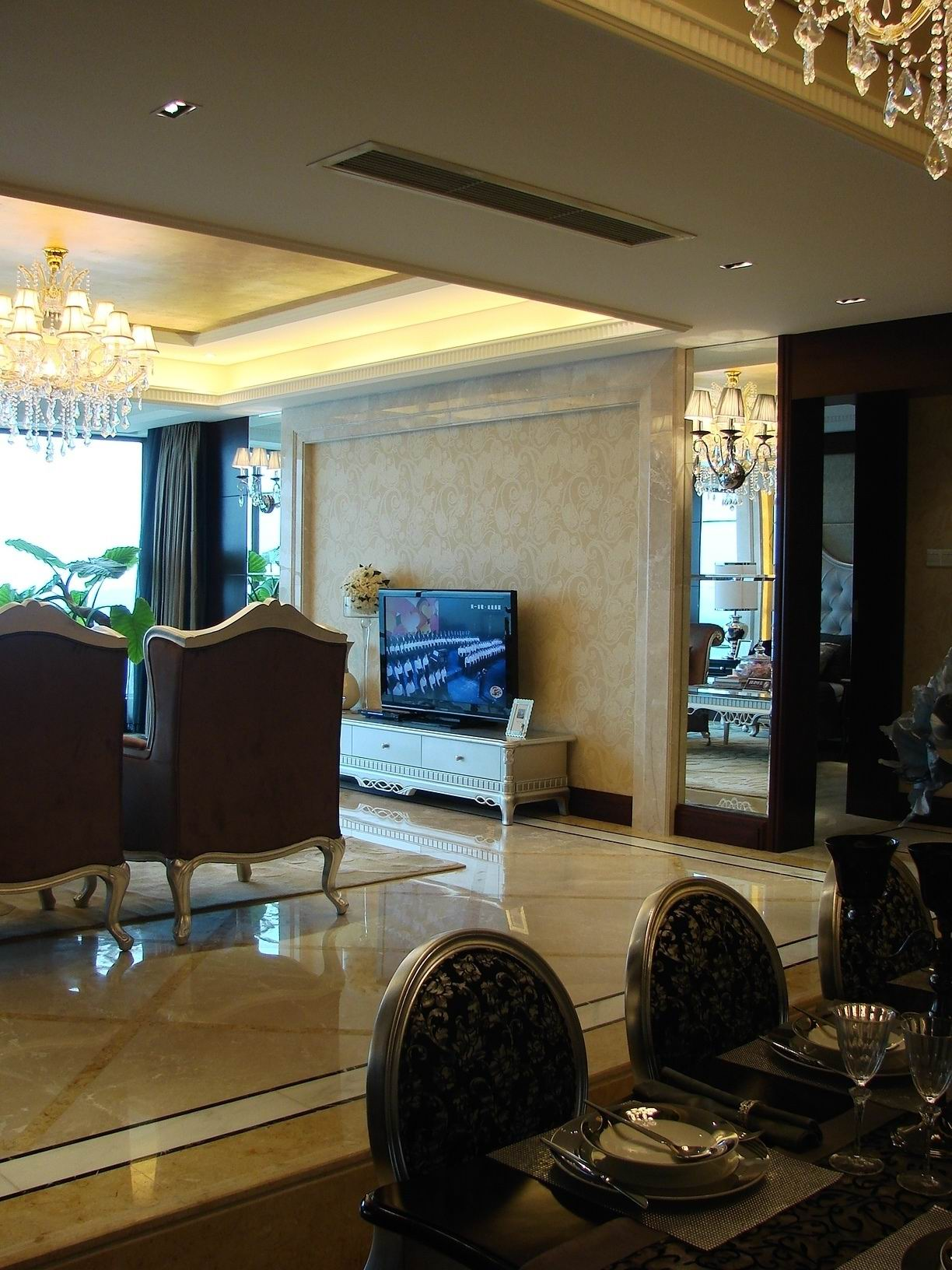 欧式 四室两厅 四居 欧式样板间 客厅图片来自超凡装饰季国华在典雅大气欧式风格样板间的分享