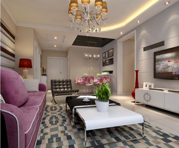 两张所采用的地毯风格一致,带有马赛克的地毯与茶几的搭配为客厅添加了不少轻快活跃的气息。下面这张沙发墙采用多色横条壁纸来装饰,突显唯美的装饰画设计。