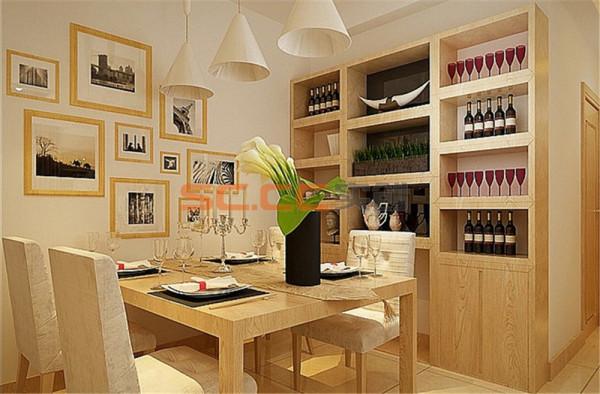 餐厅 由于大量的需要收纳的储物空间,即使餐厅也不放过,餐桌边放了餐边柜,这样用餐时也更加的方便实用。