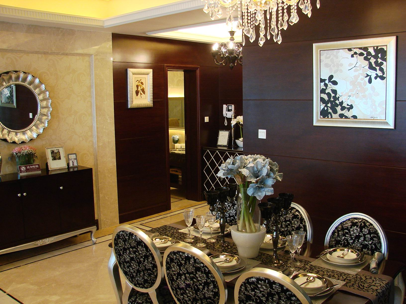 欧式 四室两厅 四居 欧式样板间 餐厅图片来自超凡装饰季国华在典雅大气欧式风格样板间的分享